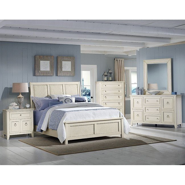 Courtyard Sleigh Bedroom Set (Champagne)